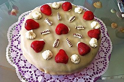 Erdbeer - Marzipan - Torte 16