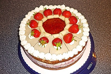 Erdbeer - Marzipan - Torte 6
