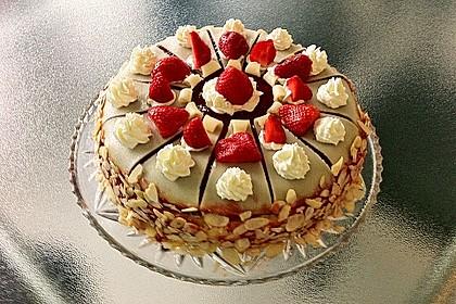 Erdbeer - Marzipan - Torte 14
