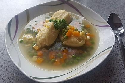 Schnelle Erbsensuppe mit Grießklößchen 2
