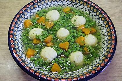 Schnelle Erbsensuppe mit Grießklößchen 6