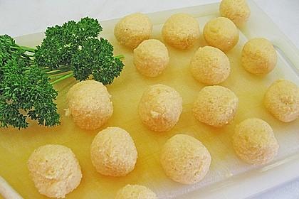 Schnelle Erbsensuppe mit Grießklößchen 8