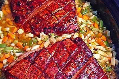 Krustenbraten vom Schwein mit Kartoffelpüree und Karamellsauerkraut 1