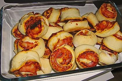 Mini - Pizzaschnecken 12
