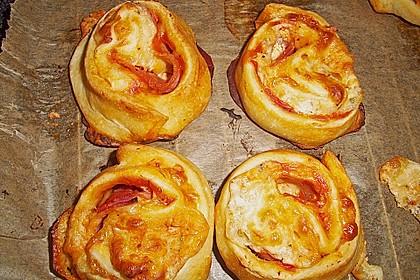 Mini - Pizzaschnecken 24