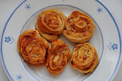 Mini - Pizzaschnecken 36