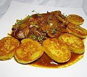 Bratwurst mit Zwiebel - Curry - Soße (Bild)