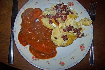 Bratwurst mit Zwiebel - Curry - Soße 11