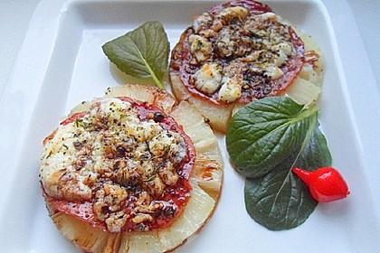 Ananas mit Serranoschinken und Ziegenkäse