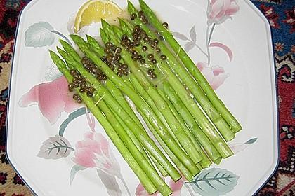 Grüner Spargel mit Zitronen - Pfeffer - Soße