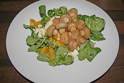 Salat mit Honigchampignons 71