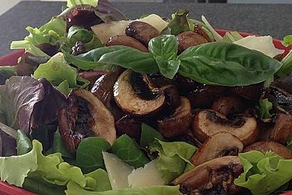 Salat mit Honigchampignons 18