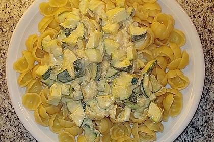 Tagliatelle mit Frischkäse - Zucchini - Sauce 8