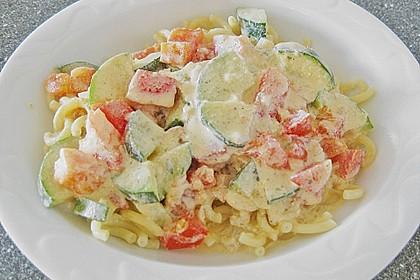 Tagliatelle mit Frischkäse - Zucchini - Sauce 7