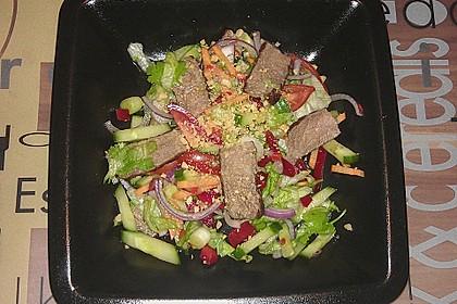 Pikanter thailändischer Rindfleischsalat 8