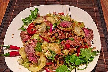 Pikanter thailändischer Rindfleischsalat 2