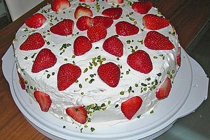 Erdbeer - Pistazien - Torte 4