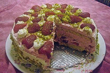 Erdbeer - Pistazien - Torte 14