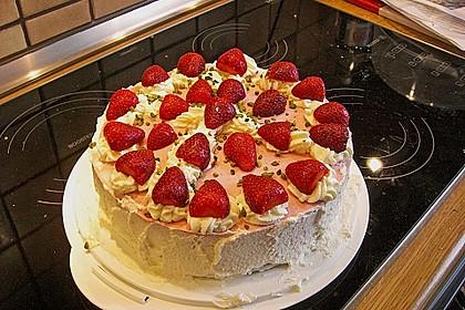 Erdbeer - Pistazien - Torte 3