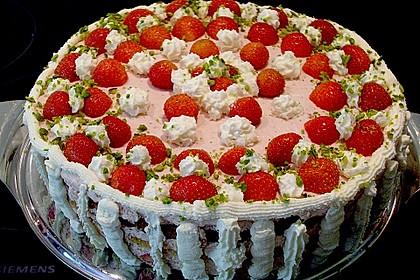Erdbeer - Pistazien - Torte 10