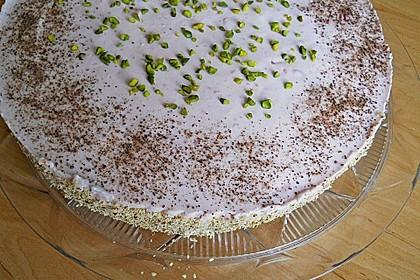 Erdbeer - Pistazien - Torte 11
