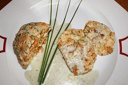 Pilzknödel mit Gorgonzolasauce