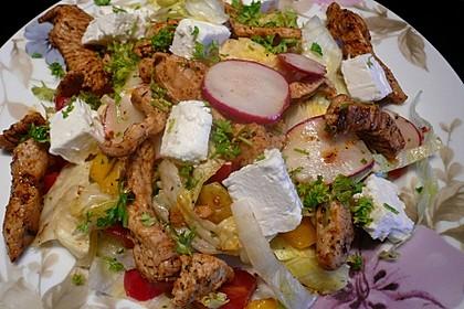 Bunter Salat mit scharfen Putenstreifen 6