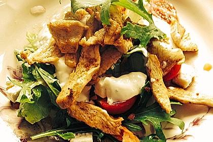 Bunter Salat mit scharfen Putenstreifen 8