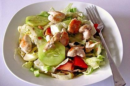 Bunter Salat mit scharfen Putenstreifen 11