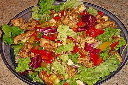 Bunter Salat mit scharfen Putenstreifen 2
