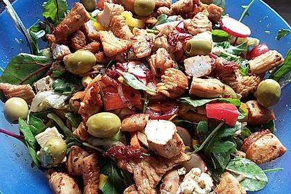 Bunter Salat mit scharfen Putenstreifen 4
