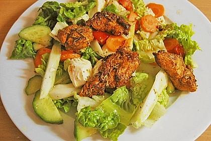 Bunter Salat mit scharfen Putenstreifen 10