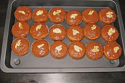 Zucchini - Karotten Kuchen mit Pinienkernen 8