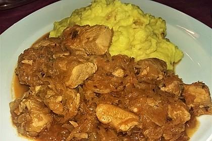 Szegediner Gulasch mit Kartoffeln 3