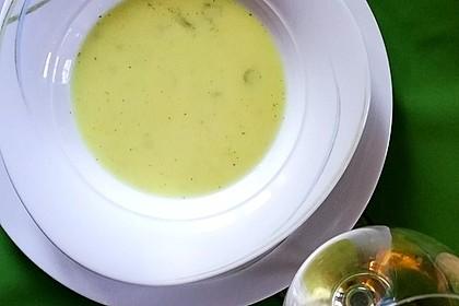 Camembert - Süppchen mit Wein 3
