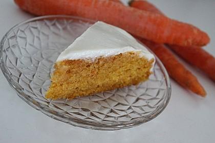 Karottenkuchen mit Frischkäseguss 4
