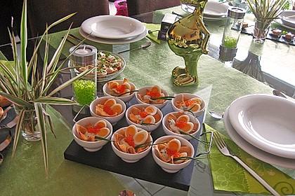 Wachteleier mit Crème fraîche und Forellenkaviar im Filoteigkörbchen 2