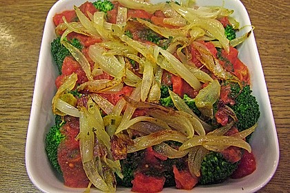 Überbackener Brokkoli mit Tomaten 6