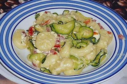 Gnocchipfanne mit Zucchini und Speck 7