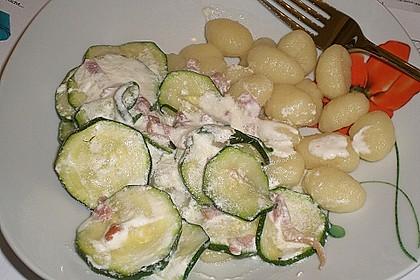 Gnocchipfanne mit Zucchini und Speck 12