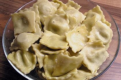 Roswithas Ravioli mit Gorgonzola - Walnuss Füllung 4