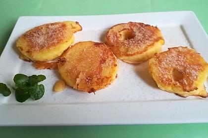 Gebackene Apfelringe mit Zimt und Zucker