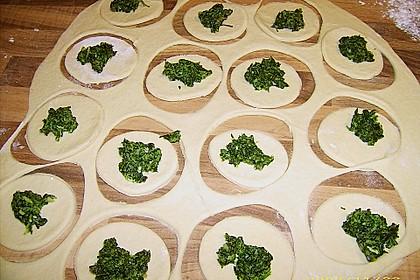 Kleine Calzoni mit Spinat 6