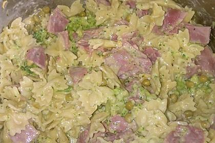 Nudel-Ragout mit Brokkoli (Bild)