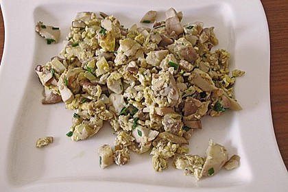 Gebratene Pfifferlinge mit Ei (Pfifferlingsgeröstel) 6