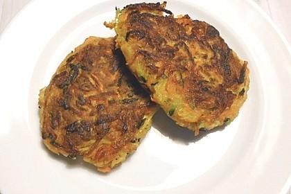Gemüsepuffer mit Kartoffeln, Zucchini und Möhren 12