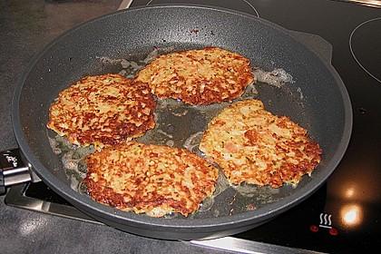 Gemüsepuffer mit Kartoffeln, Zucchini und Möhren 10