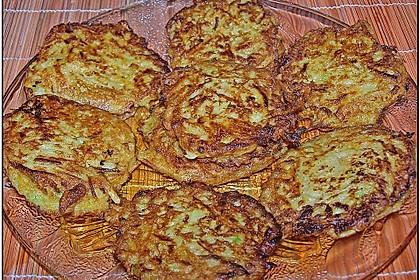 Gemüsepuffer mit Kartoffeln, Zucchini und Möhren 9