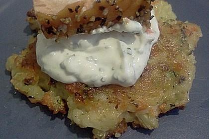 Gemüsepuffer mit Kartoffeln, Zucchini und Möhren 23