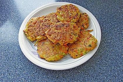 Gemüsepuffer mit Kartoffeln, Zucchini und Möhren 18